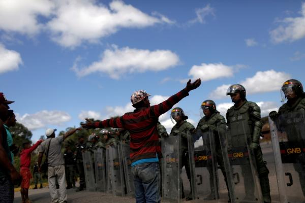 Fronteira da Venezuela com o Brasil segue fechada em Roraima após ordem de Maduro