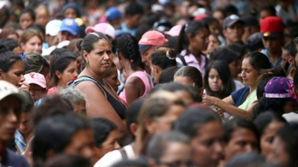 Cinco mil venezuelanos deixaram o país a cada dia de 2018, diz ONU