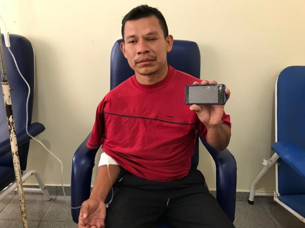 'Não foram balas de borracha', diz venezuelano ferido em confronto entre indígenas e militares perto da fronteira