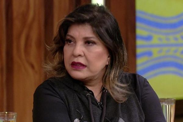 """Roberta Miranda defende Marquezine: """"É difícil ser bonita e famosa"""""""