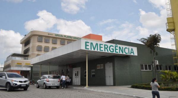 Venda de moto termina com briga e dois esfaqueados, em Manaus