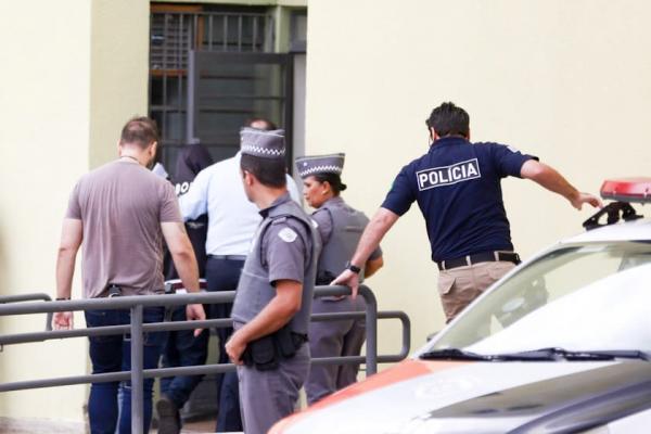Terceiro suspeito por massacre em Suzano é apresentado ao MP