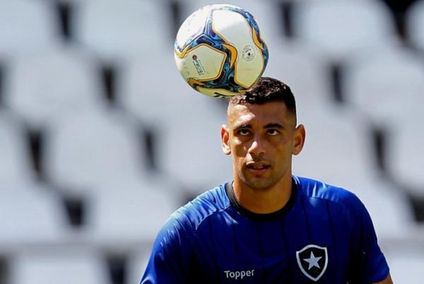 Diego Souza afirma que se arrepende de ter jogado no Flamengo: 'Era o que tinha'