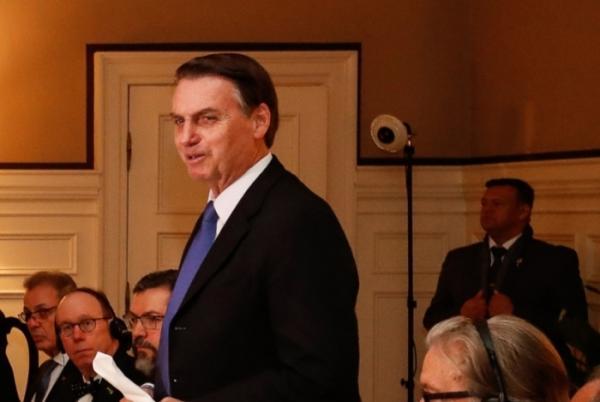 Bolsonaro dá palavra final sobre reforma de militares