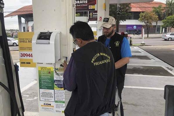Postos de gasolina de Manaus são multados após cobrarem preço abusivo