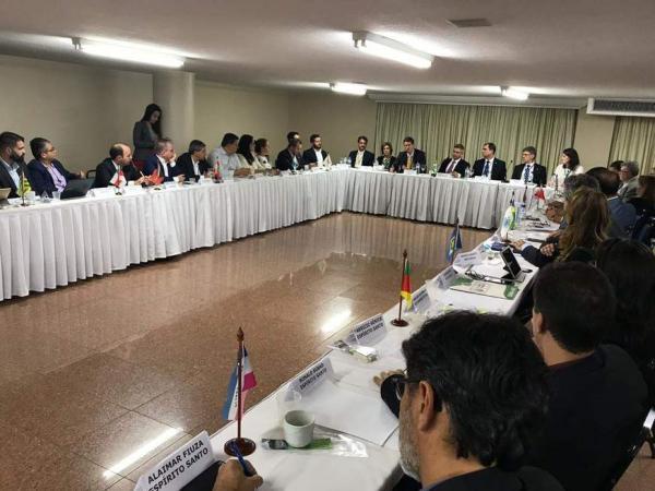 Ministro do Meio Ambiente garante apoio para combater desmatamento na Amazônia