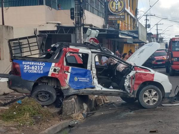 Tenente e cabo da PM ficam feridos após viatura capotar na Zona Norte de Manaus
