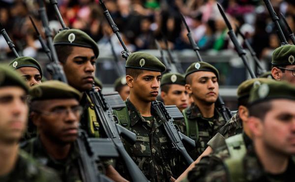 Brasil economizará R$10 bi com reforma da previdência dos militares, dizem ministérios