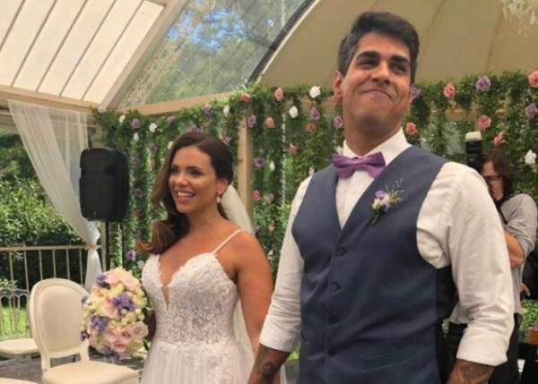 Ex-marido de Lulu Santos se casa com bancária sob as bênçãos do cantor