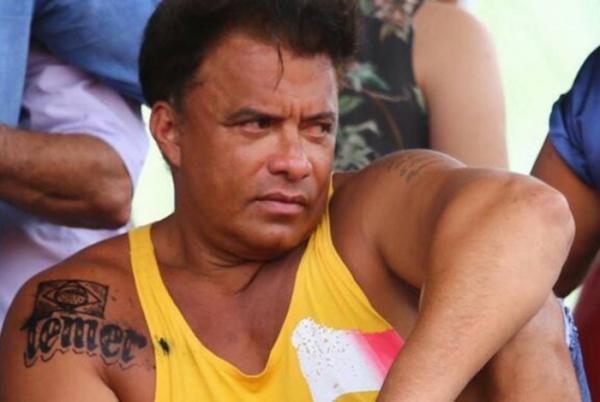 Ex-deputado que tatuou nome de Temer se recusa a comentar a prisão do ex-presidente