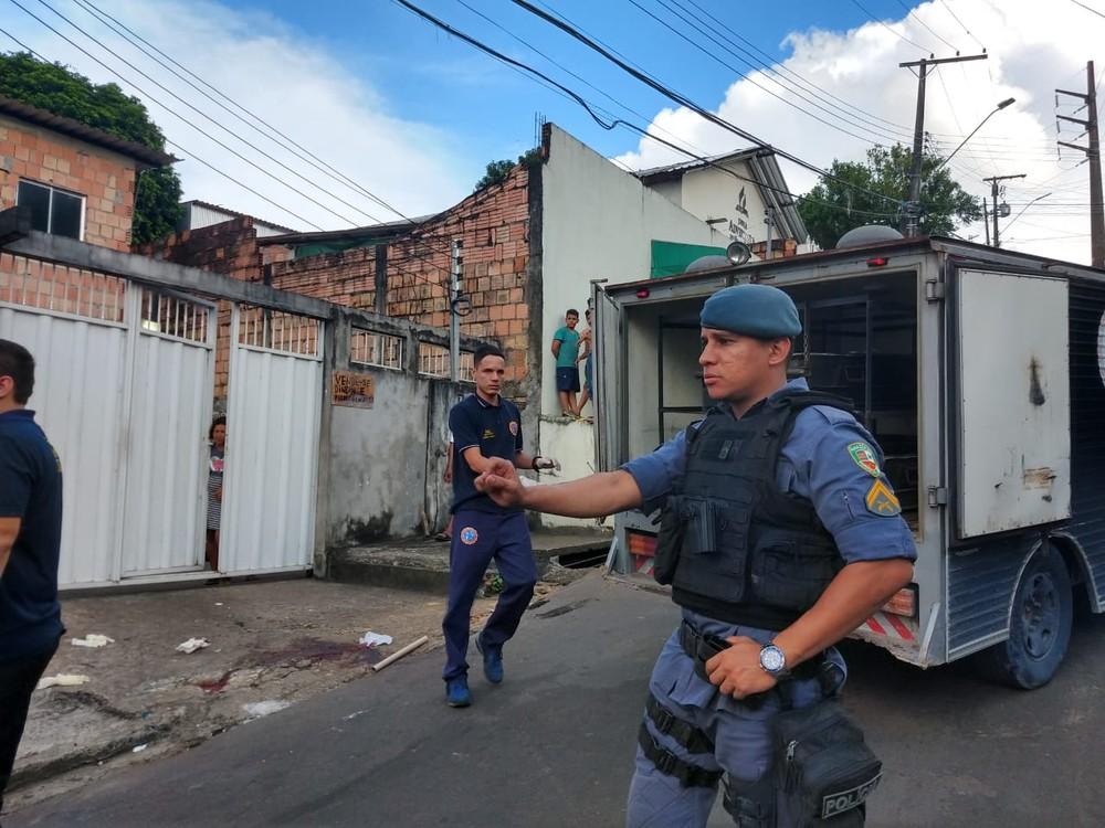 Homem é morto a tiros em via pública na Zona Oeste de Manaus