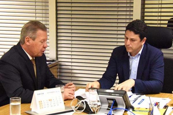 Arthur Neto discute habitação e mobilidade com ministro das Cidades, em Brasília