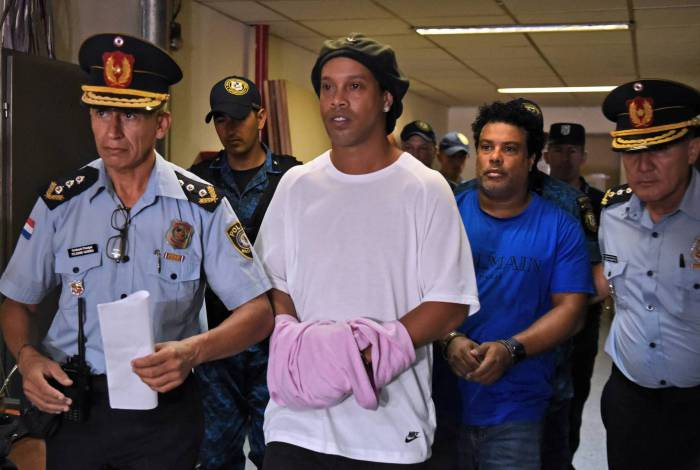 Politização da prisão de Ronaldinho envolve Moro e demissão de assessor paraguaio