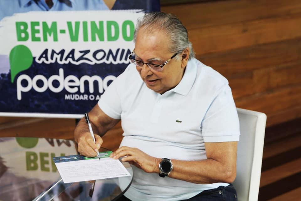 Amazonino anuncia filiação ao Podemos