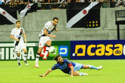 Vasco vence na Arena da Amazônia, após gol contra de Londrina