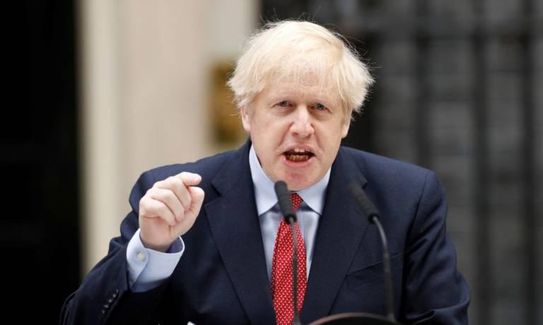 Reino Unido mantém confinamento para evitar nova onda da Covid-19