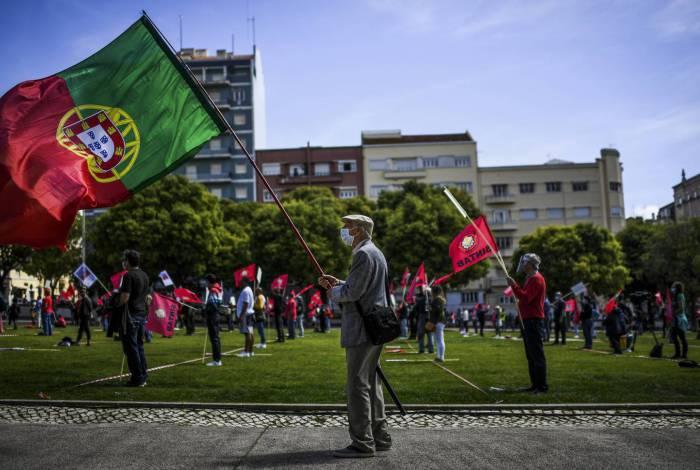 Portugal reabre primeiros estabelecimentos comerciais após um mês e meio