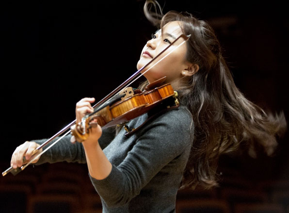 Teatro Amazonas recebe renomada violinista  sul-Coreana