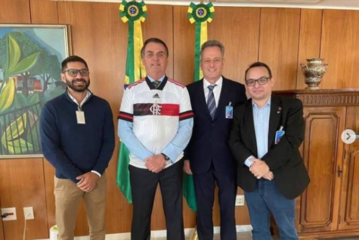Presidente do Flamengo se reúne com Bolsonaro e Brasília pode ser opção para treinamentos