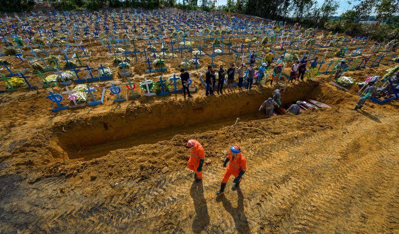 Foram registradas 55 mortes nos cemitérios de Manaus