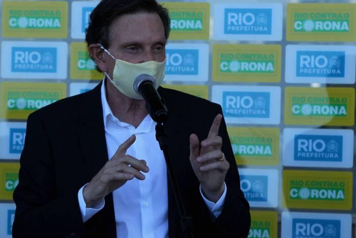 Crivella afirma que Fluminense e Botafogo toparam retorno de treinamentos por contato telefônico