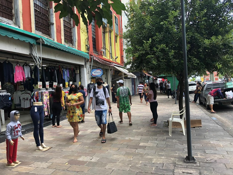 Primeiro dia de reabertura do comércio em Manaus tem pouco movimento no Centro