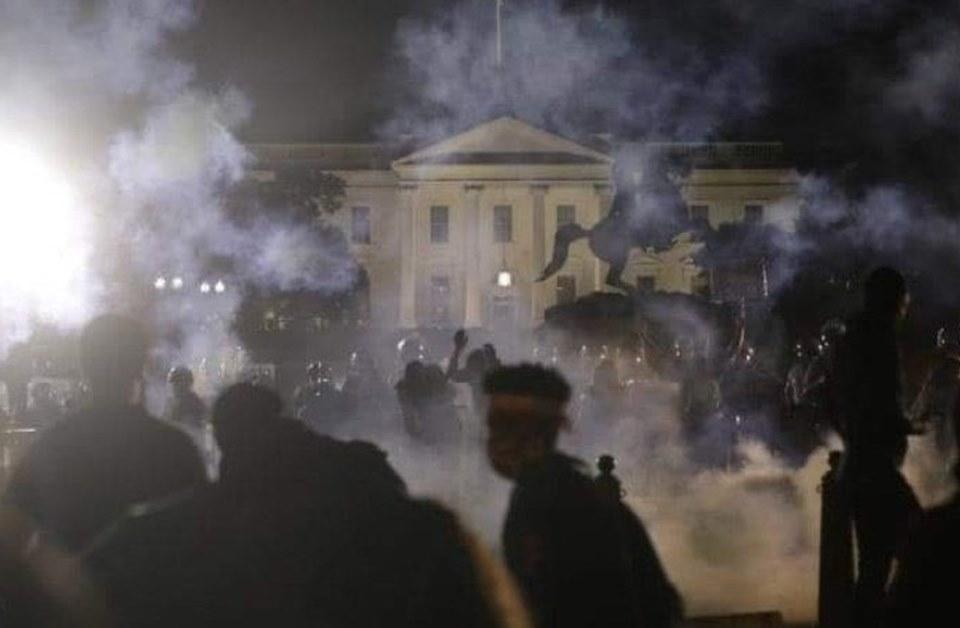 Em meio a protestos, Casa Branca tem luzes apagadas e Trump se esconde