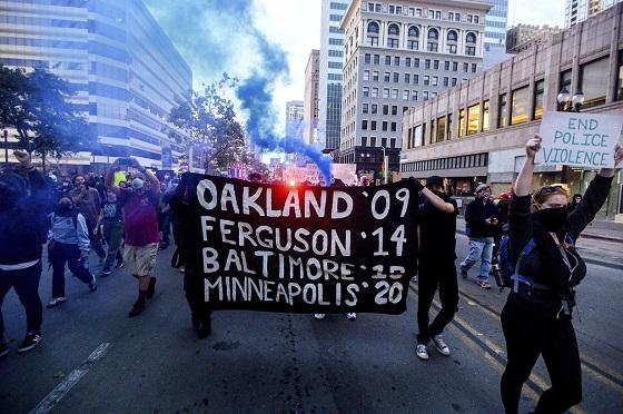 EUA temem segunda onda de Covid-19 por conta de protestos