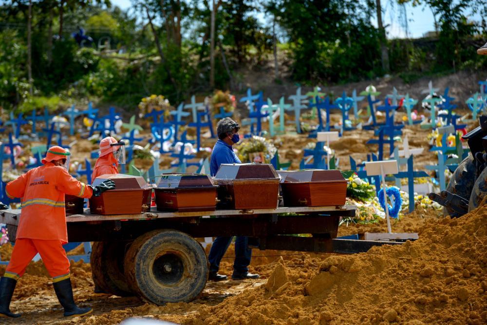 Manaus registra 43 sepultamentos, média registrada antes da pandemia