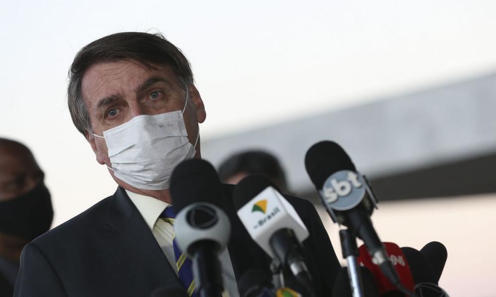 """Mais parcelas do auxílio emergencial estão """"quase certo"""", diz Bolsonaro"""