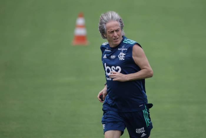 Mauro Cezar afirma que técnicos brasileiros torceram contra permanência de Jesus no Flamengo