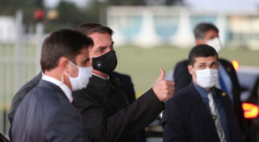 Uso de máscara se torna obrigatório em todo o País