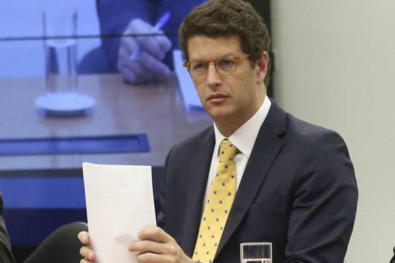 MP pede saída de Salles por 'desestruturação dolosa' do meio ambiente
