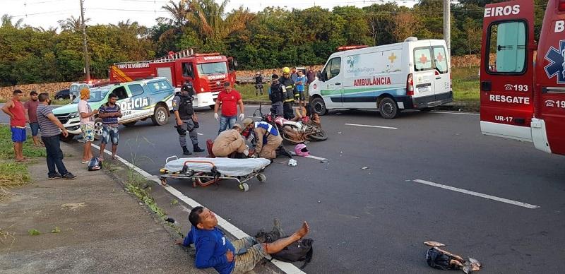 Motociclistas ficam gravemente feridos após acidente em Iranduba