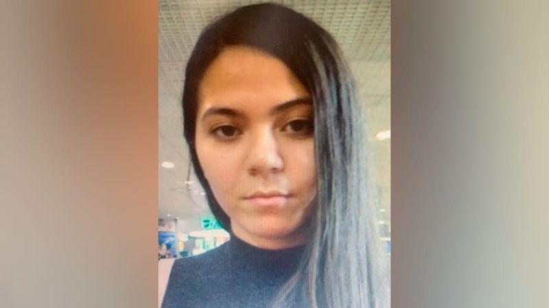 Mulher é procurada por suspeita de fraudar cartões de crédito e documentos