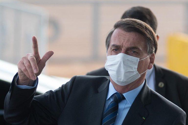 Golpistas gastam R$ 290 mil em farra no cartão de Bolsonaro