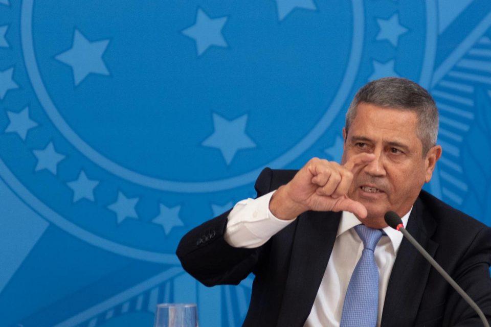 Ministro da Casa Civil, Braga Netto, testa positivo para Covid-19