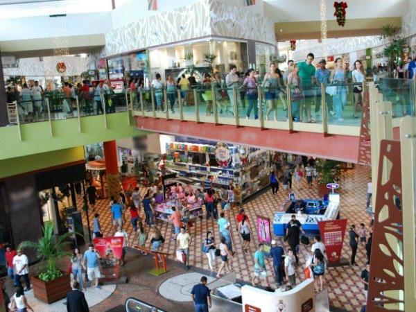 Shoppings de Manaus estarão com descontos de até 70% nas promoções de Black Friday