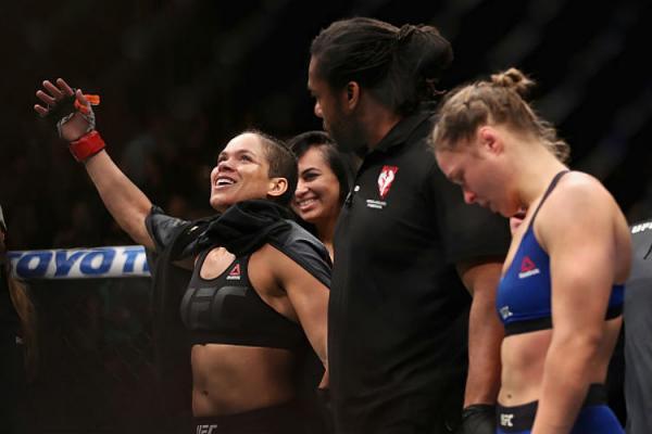 Após vitória arrasadora, Amanda esnoba Ronda: 'Não sei como ela chegou tão longe'