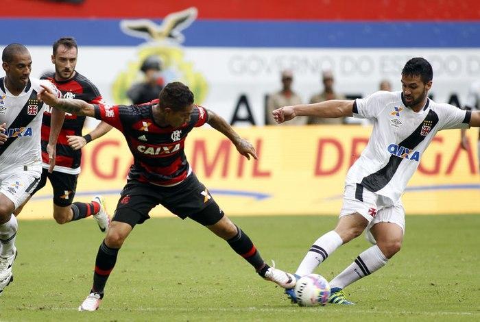 Clima esquentou! Guerrero provoca e Vasco responde nas redes sociais
