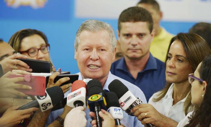 Arthur anuncia 'Tarifa Melo' e diz que há corrupção no governo do Amazonas