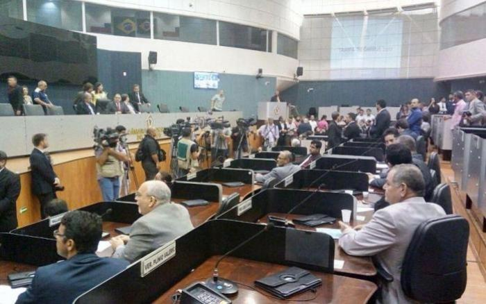 Audiência pública debate problemas do transporte público em Manaus
