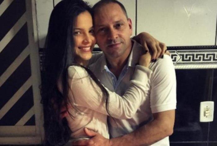 Temendo pela segurança da filha, pai de Emily entra em contato com BBB