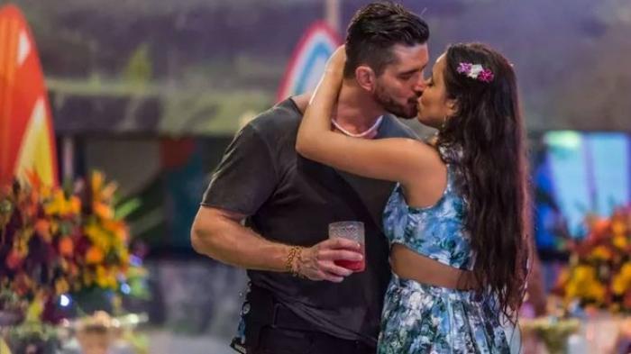 Ex-BBB Marcos quer fim do namoro e manter distância de Emilly