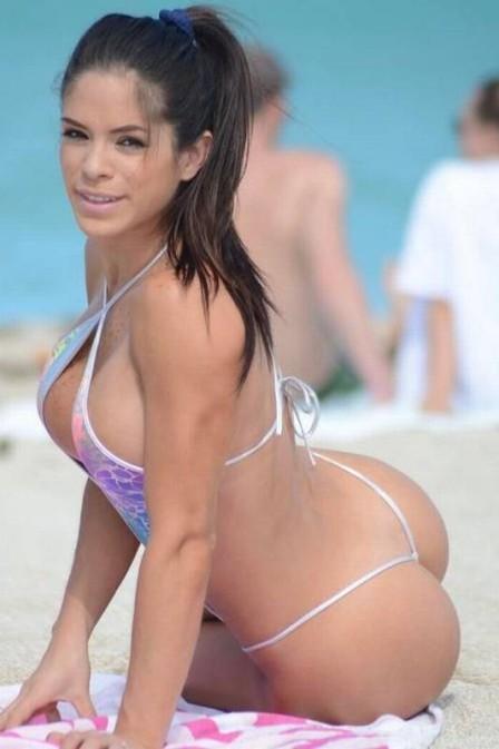 Sósia de Bruna Marquezine faz sucesso na web com bumbum perfeito