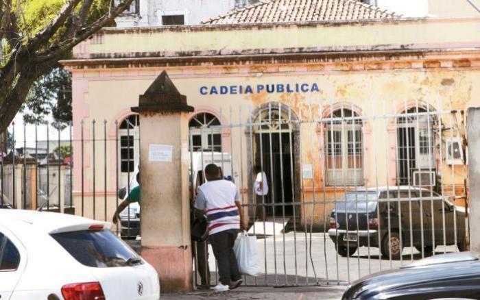 Dois detentos fogem da Cadeia Pública Vidal Pessoa durante a madrugada
