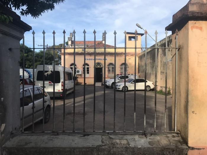 Detentos incendeiam colchão na Cadeia Pública Vidal Pessoa, em Manaus