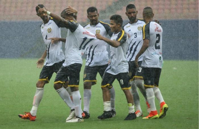Nacional goleia São Raimundo por 5 a 0 debaixo de muita chuva na Arena