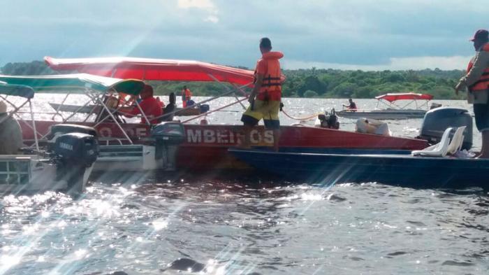 Corpo de Bombeiros localiza duas vítimas do acidente com lancha na Marina do David