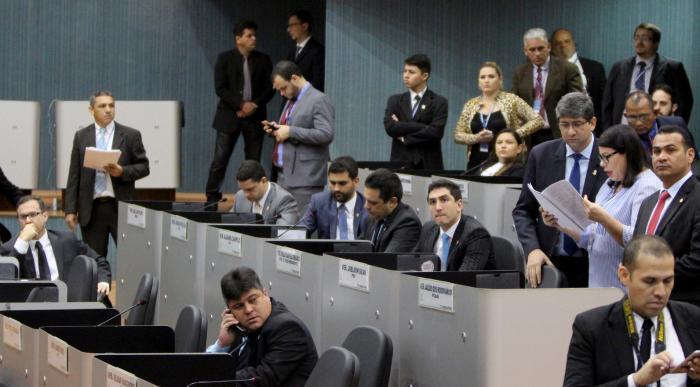 Vereadores defendem postura do presidente da CMM diante do cumprimento do Regimento Interno